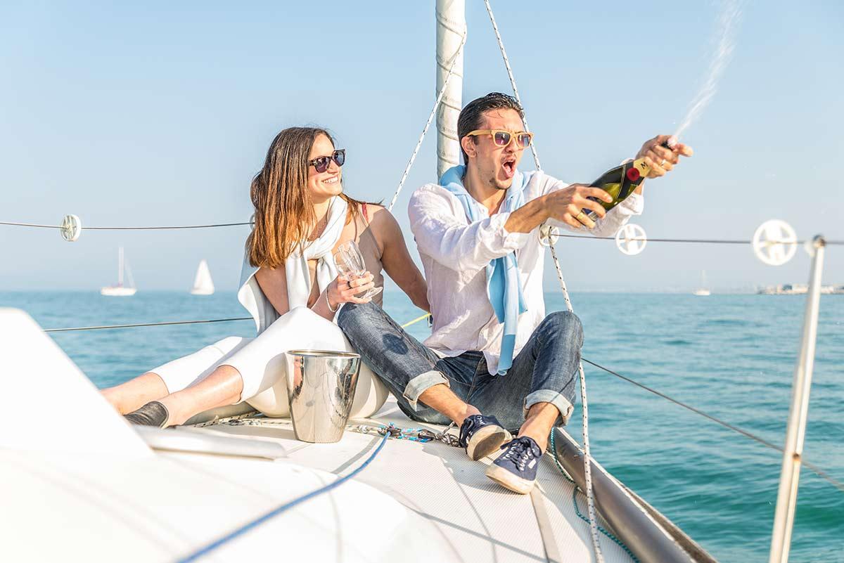 картинка яхта и шампанское неплохом